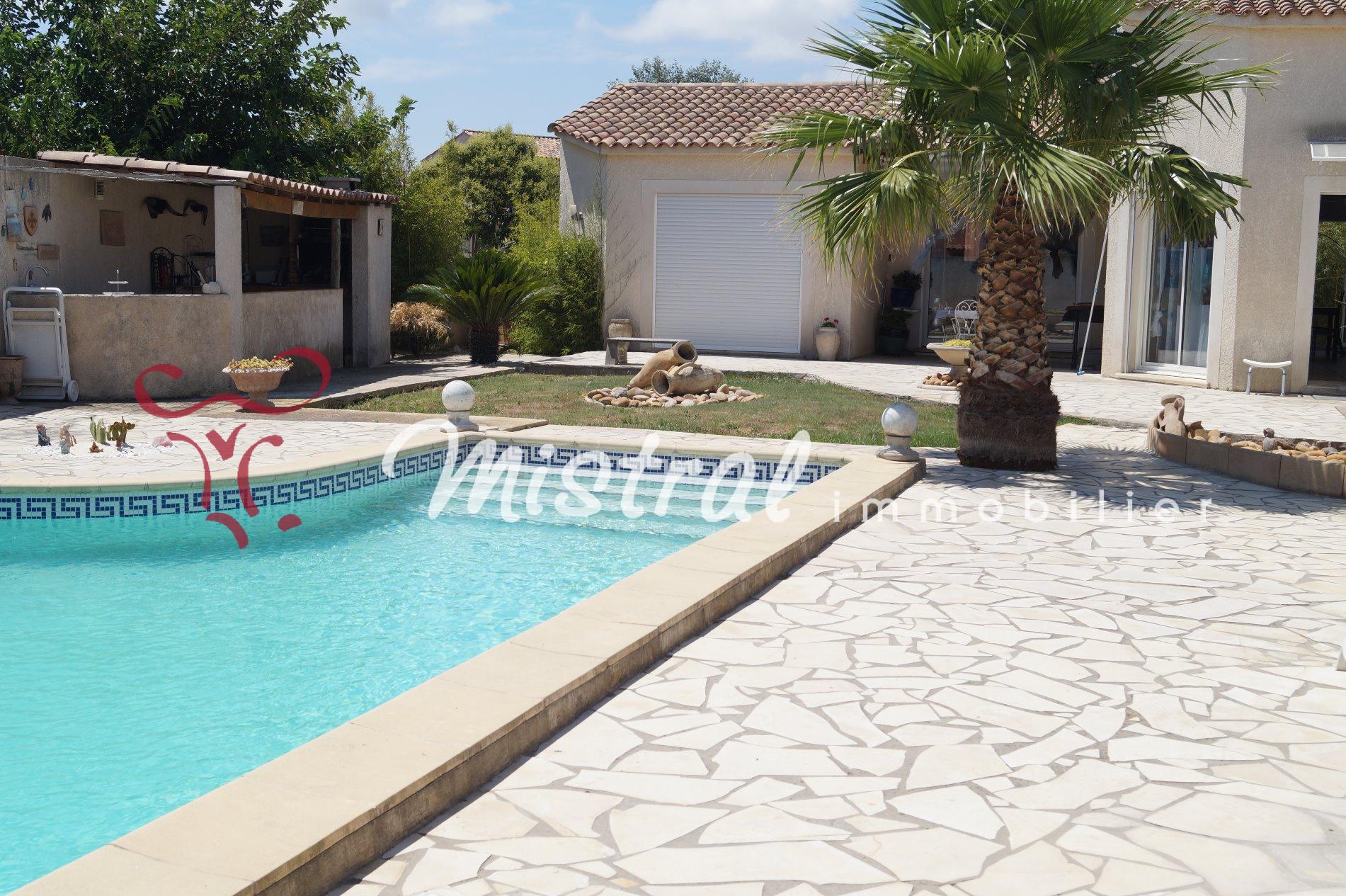 Vente vente villa de plain pied 3 chambres avec piscine for Vendeur piscine